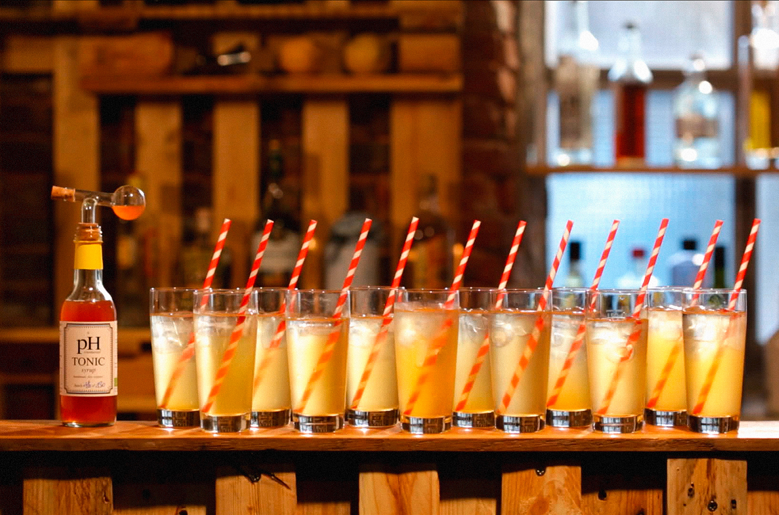 12drinks-withstraws-1600px